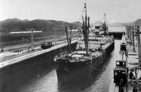 SS Ancon - první plavba Panamským kanálem
